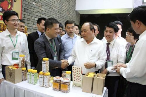 Hạt điều Gia Bảo chào đón thủ tướng Nguyễn Xuân Phúc.